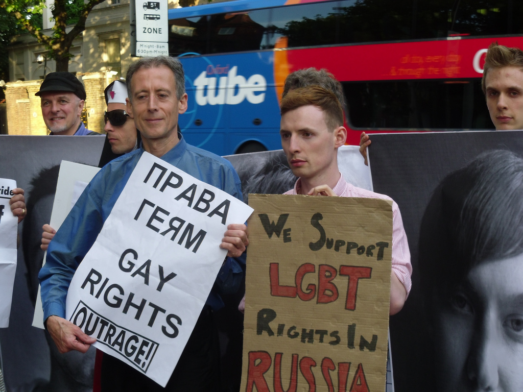 protest_against_russias_banning_of_moscow_gay_pride_2011