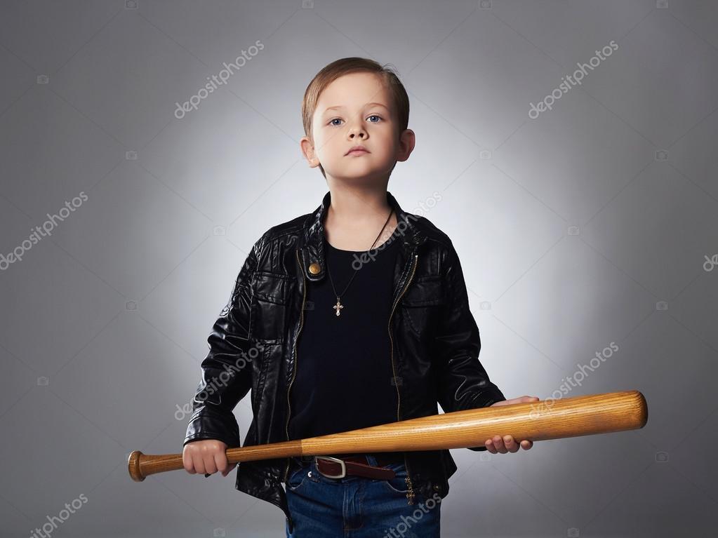depositphotos_90664440-stock-photo-boy-with-baseball-bat-funny