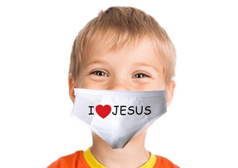 Une association de prêtres offre des masques aux jeunes enfants