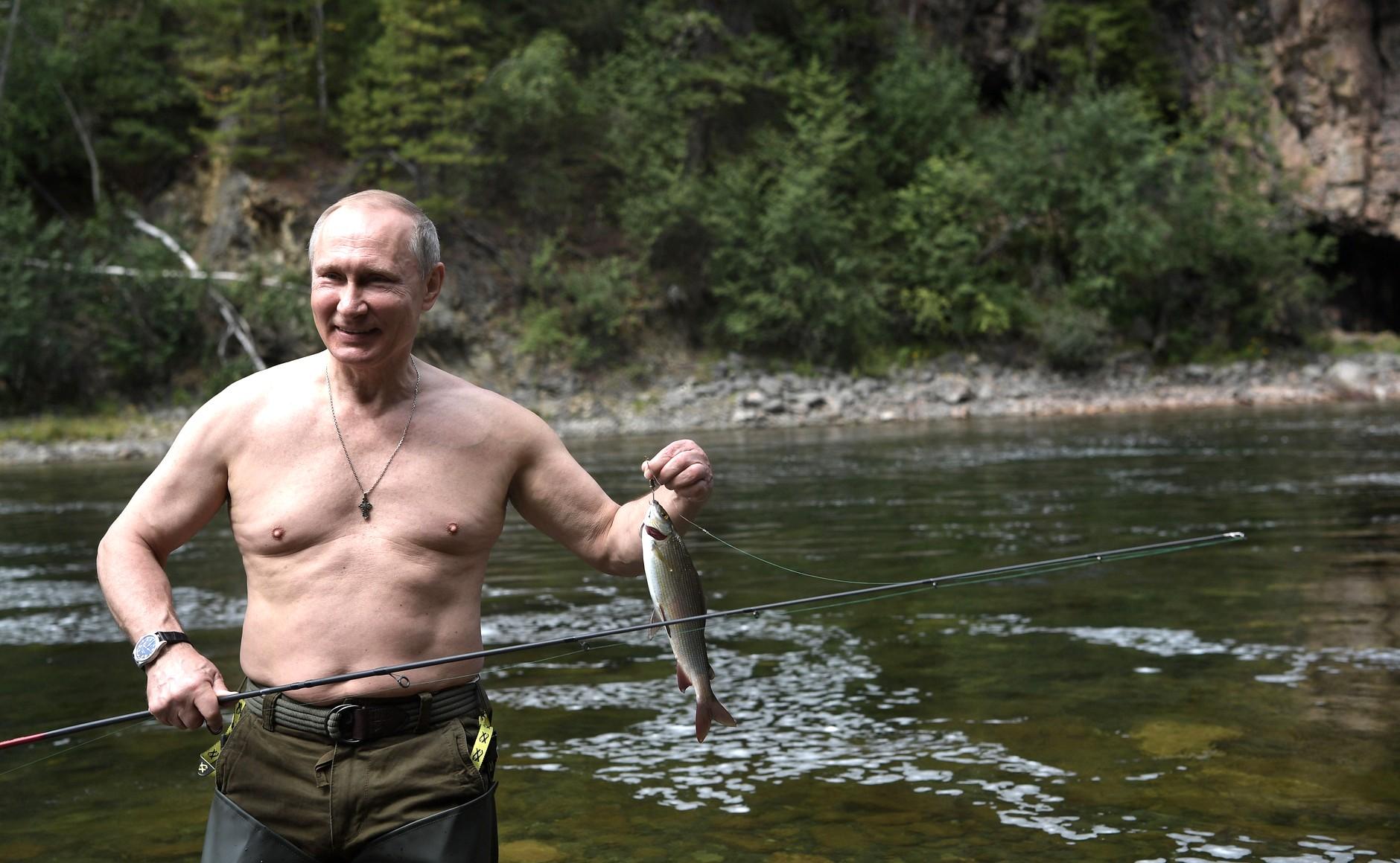 Vladimir_Putin_in_Tuva_(2017-08-01-03)_07